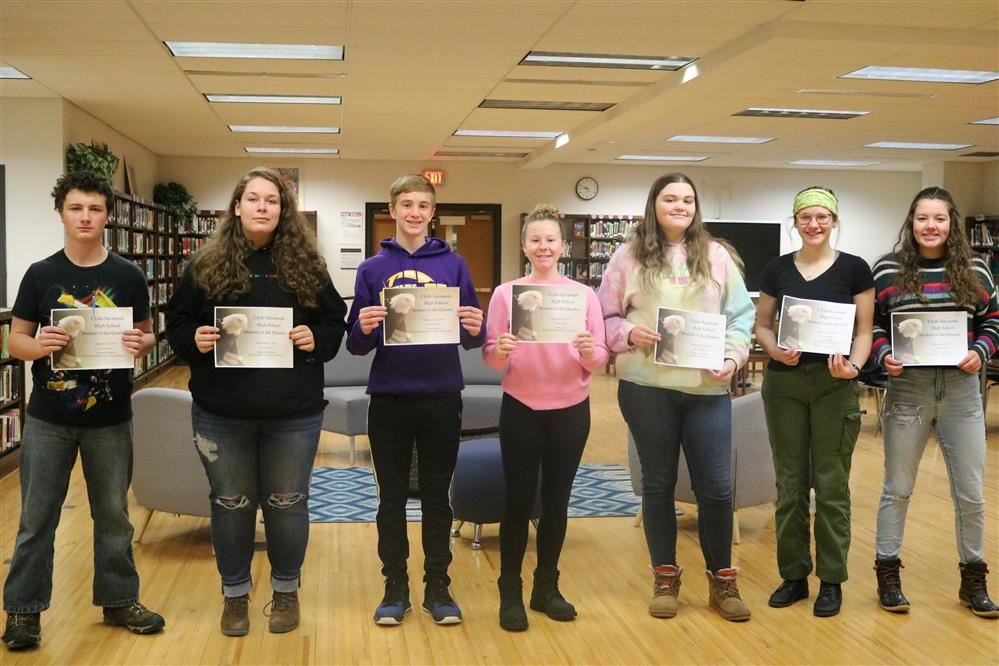 Students of the first quarter were honored at the honor roll breakfast